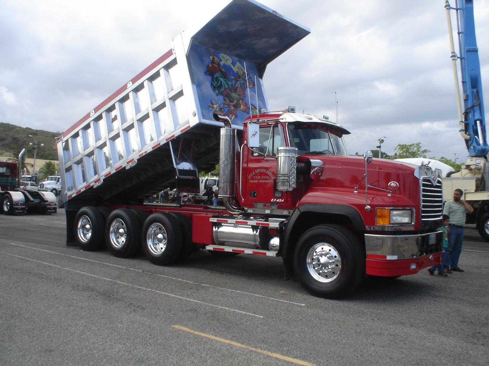Big Mack Trucks : Dsc g bmt member s gallery click here to view