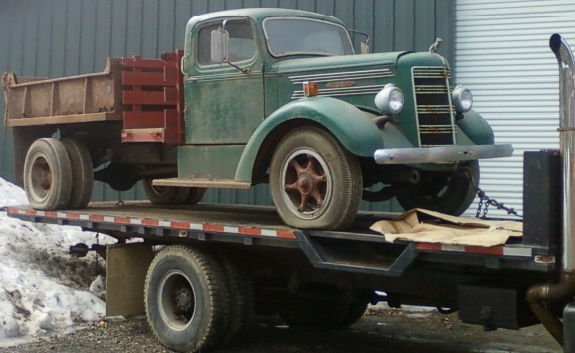 1948 Mack Truck : Mack right front zoom model gallery
