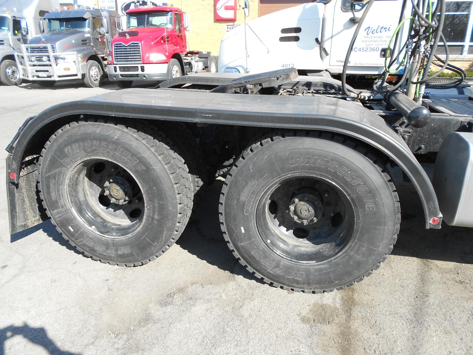 Merritt Half Fenders : Black full fenders for r model exterior cab