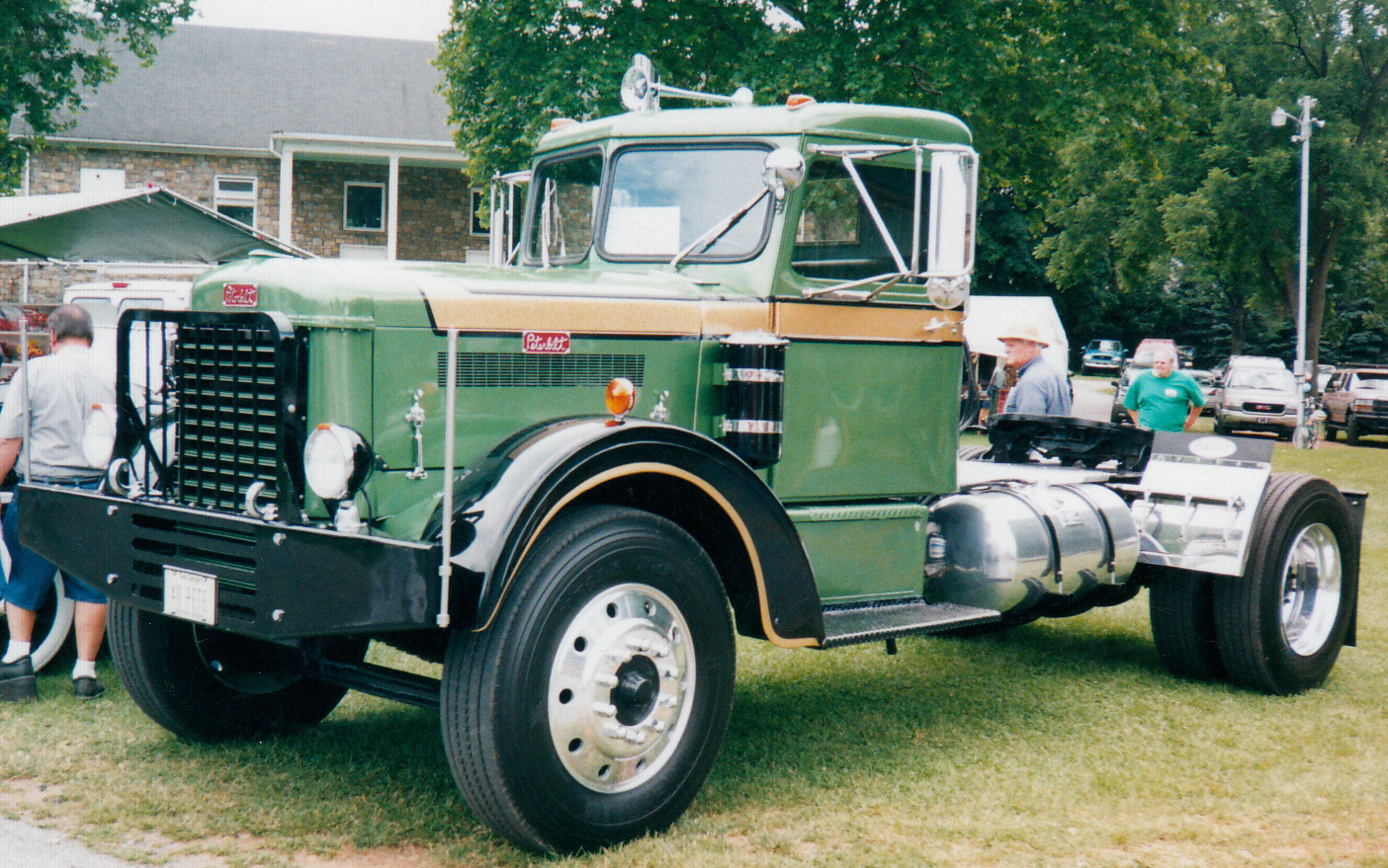 1946 Peterbilt 270D - BMT Member's Gallery - Click here to view our