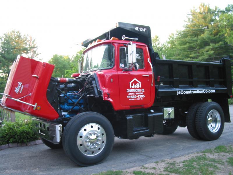 mack truck lettered pictures 003.jpg