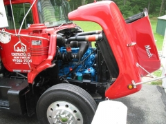 mack truck lettered pictures 005.jpg