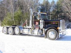 2005 379 Peterbilt Tri-axle Tractor
