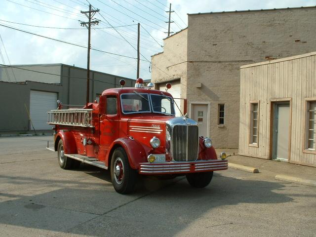 1949 Mack LS85