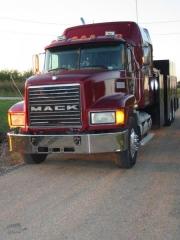 Mack Truck 037.jpg