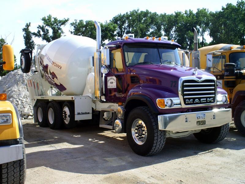 nathans new truck 013_edited.jpg