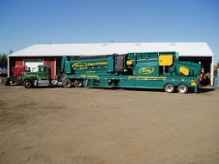 1989 Superliner tractor with new screening plant