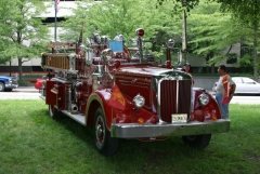 1953 Mack 001.jpg