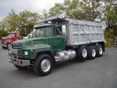 Green+Silver 2004 Mack RD Legend Dump.jpg