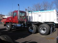 2007 CL733 Tractor 2.JPG
