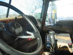 2007 CL733 Tractor Interior.JPG