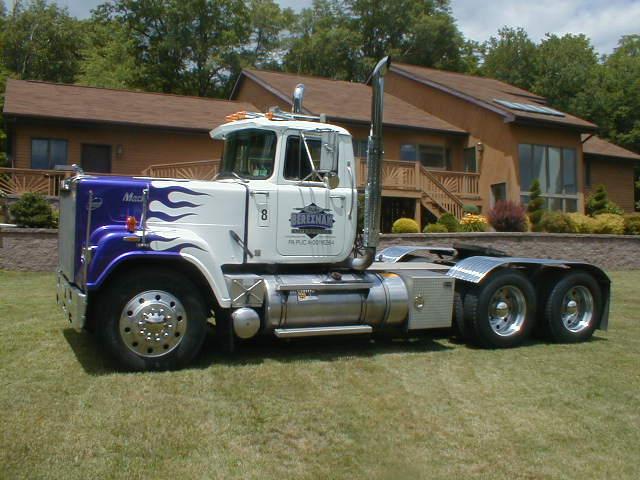 trucks 026.jpg