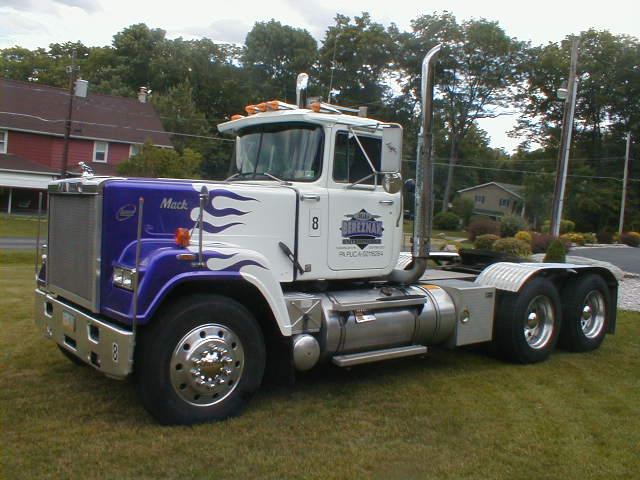 trucks 030.jpg