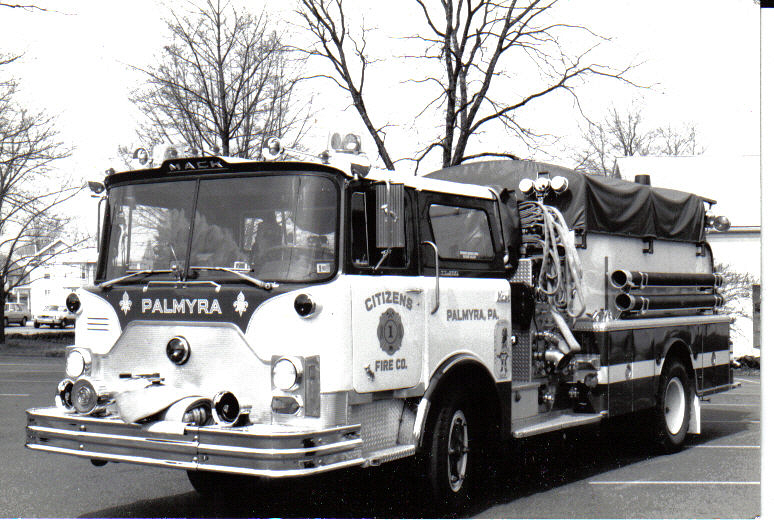 Engine1-2 1973 Mack CF600.jpg