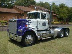 trucks 028.jpg