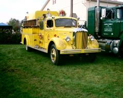 Boyertown's Mack A405 (now Michael Yarnells) Hoppenville