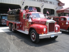 Right front 1960 Mack B85FSW