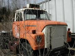 truck yard grave 041.jpg