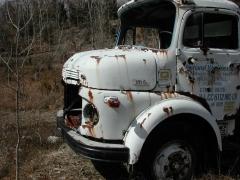 truck yard grave 040.jpg