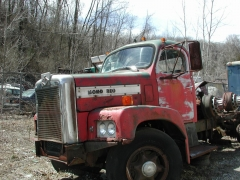 truck yard grave 030.jpg