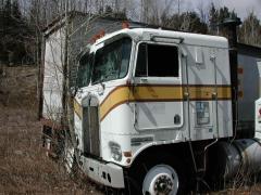 truck yard grave 039.jpg