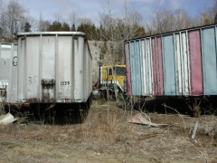 truck yard grave 036.jpg