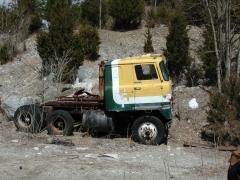 truck yard grave 033.jpg