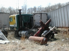 truck yard grave 046.jpg