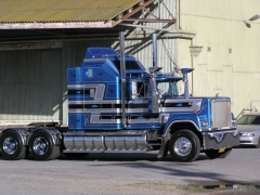Mack-Superliner-blau-Borzillo-310705-01.jpg