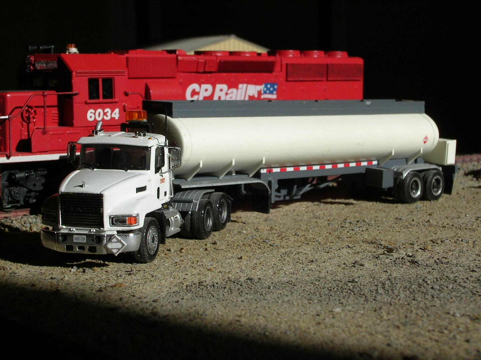 Mack CH_TNT Logistics3.jpg