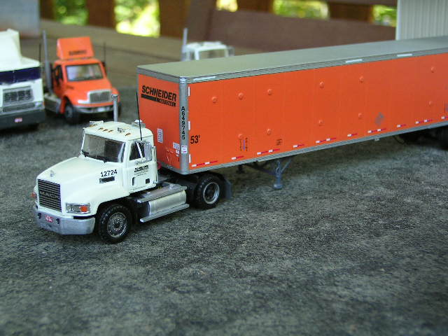 Mack models - HO scale