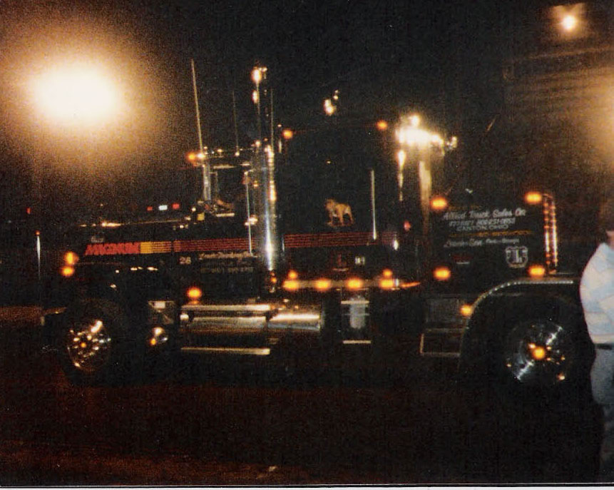 Here is a pic of a sweet Magnum series V8 owned by Bill Leac