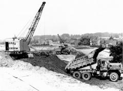 71 Mack B8136SX Dumptruck.jpg