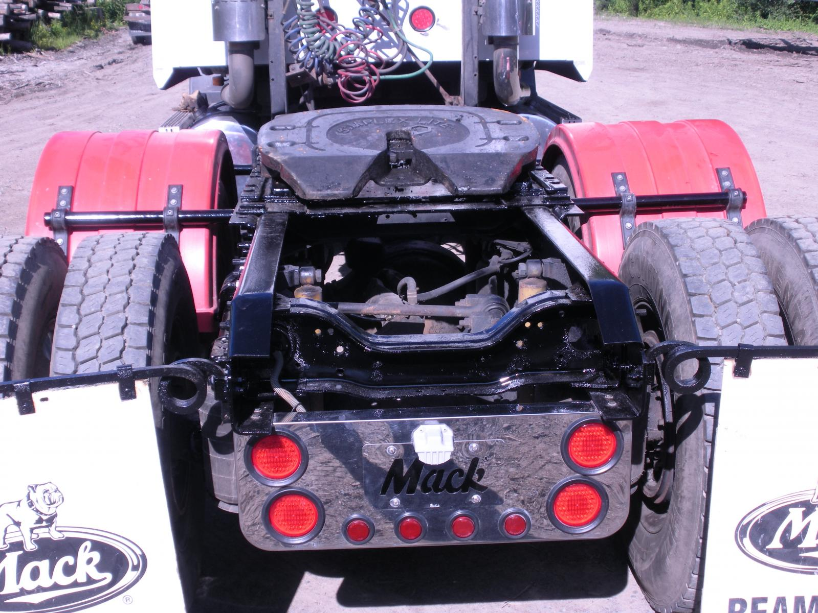 Mack truck 029.jpg