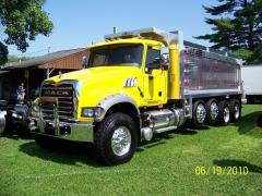 Mack GU713