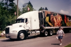 2000 Mack Vision