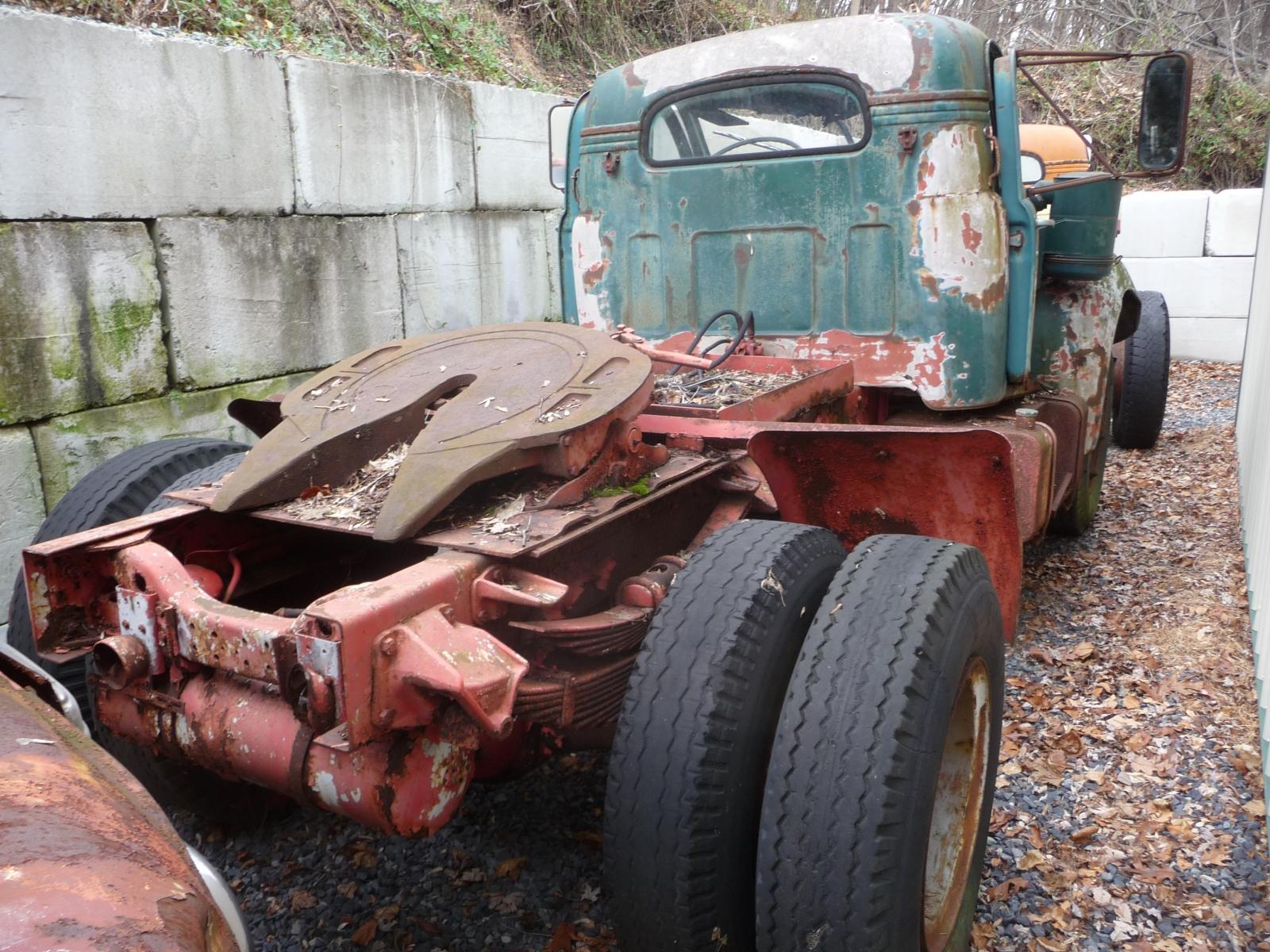 Mack B68T 2168 rear