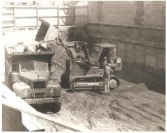 Old mack Trucks 007