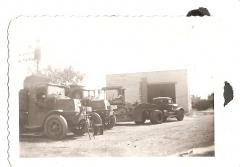 Old mack Trucks 001