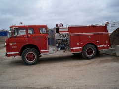 1981 Ford C-7000 fire truck w/donor cab