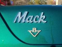 Yoos family Macks