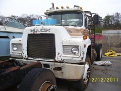 Mack Trucks And Engines 022