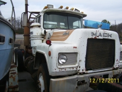 Mack Trucks And Engines 021