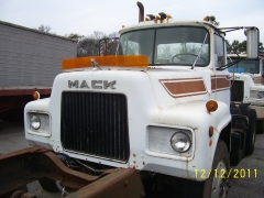 Mack Trucks And Engines 013
