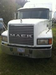1999 Mack CH613 04