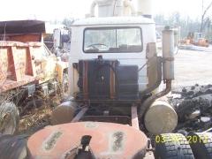 Mack R688ST 021.jpg