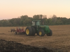 John Deere 4955 and MW Ripper