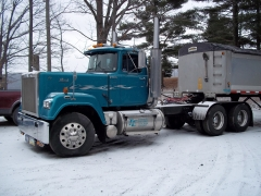 1990 Mack Superliner E9-500