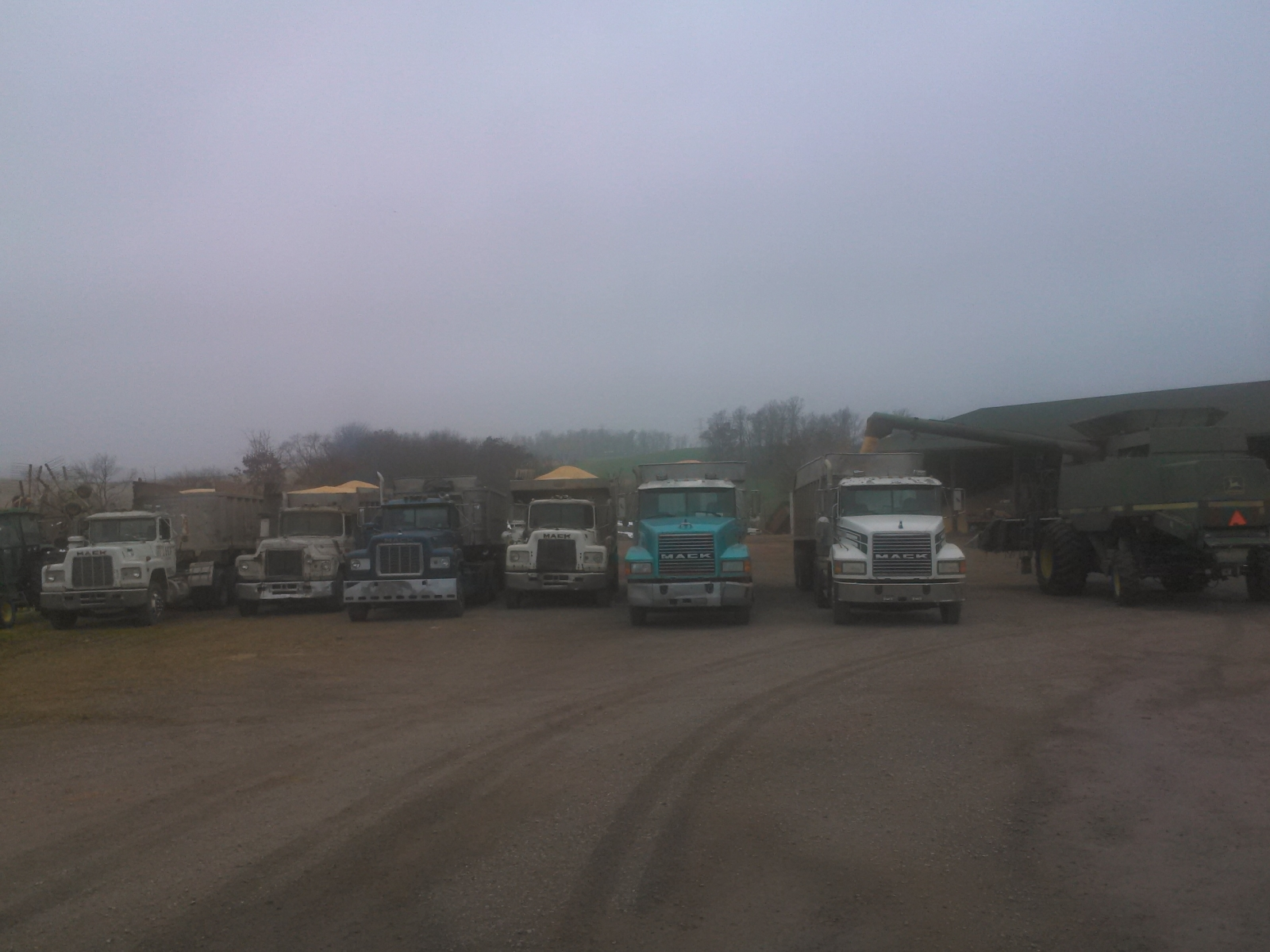 Sunday morning silos full bins ful 40 loads in the shed and all trucks full