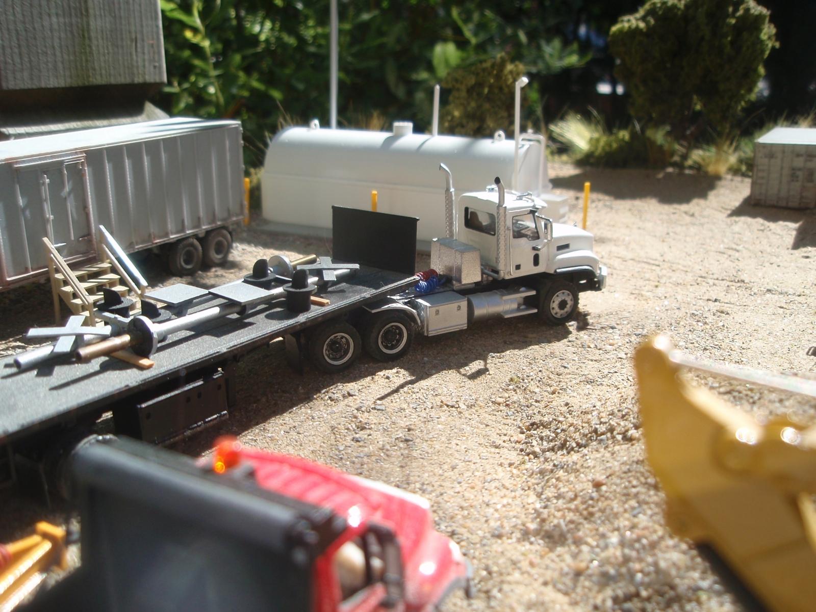 Mack CL733 Tractor Trailer